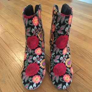 Sole Society Shoes - Sole Society Olympia booties. Size 8.5. Like new.